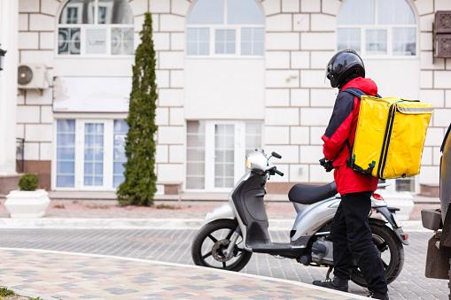 Quelle moto faut-t-il choisir pour des livraisons?
